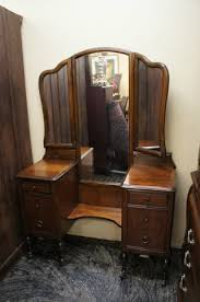 Vanity Mirror Tri Fold Antique Vanity Dresser With Mirror Antique Vanity Dresser Tri