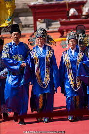 actors in ancient chinese costumes photo changling ming tombs