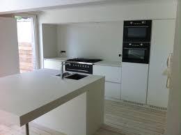 cuisine fonctionnelle cuisine fonctionnelle blanche avec îlot mt design