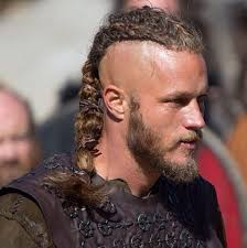 what is going on with travis fimmels hair in vikings 259 best vikings ragnar travis fimmel images on pinterest man