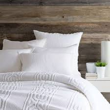 how to layer a bed beducation 101 how to layer whites for the ultimate year round
