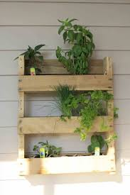vertical pallet wood wall wonderer me