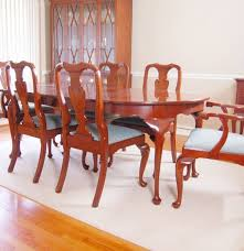 Queen Anne Dining Room Set Henkel Harris Cherry Dining Table And Chairs In Queen Anne Style