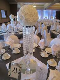 White Roses Centerpiece by Best 20 Bling Centerpiece Ideas On Pinterest Bling Wedding