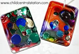 suncatcher ornaments from plastic lids