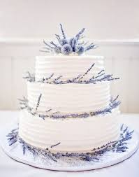 wedding cake lavender best 25 lavender wedding cakes ideas on lavender big