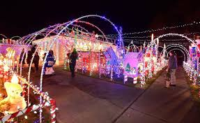 Christmas Lights Ditto Billings Neighbors Take Fun But Different Approaches To Christmas