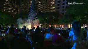 tree lit up in downtown houston for 2017 holidays