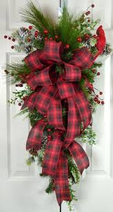 Giant Outdoor Christmas Decorations Uk by Best 25 Tartan Christmas Ideas On Pinterest Tartan Throws