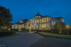 luxury homes u0026 real estate listed for sale in landfall wilmington
