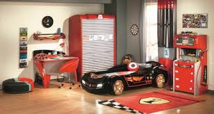 deco voiture chambre garcon lit enfant idées déco originales pour la chambre des petits