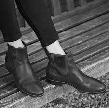 womens chelsea boots australia ugg australia are giving away free aw14 boots to weary shoppers