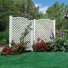 garden with white privacy screens for climbing plants practical
