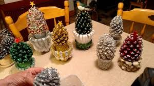 beautiful pine cone decorations with stand