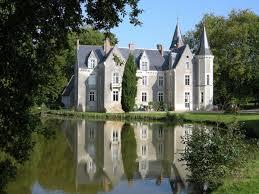 chambre d hote chateaux de la loire le château de montriou à feneu