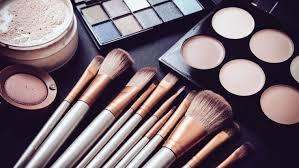 Makeup Kit 3 things every makeup kit must melt macaroni