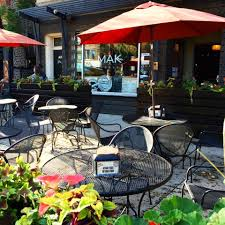 Asian Patio Furniture by 60 Great Dog Friendly Restaurants And Bars In Chicago 2017 Edition