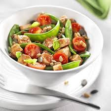 cuisiner des pois mange tout méli mélo de pois mange tout aux tomates cerises et tofu