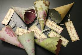 Favor Cones by These Shabby Chic Inspired Cones Are Oh So Pretty Made From The