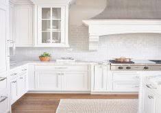 attractive backsplashes for white kitchens best 25 white kitchen