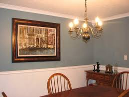 Two Tone Walls With Chair Rail Lovable Two Tone Dining Room Color Ideas And Dining Room Wall