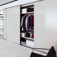 Schlafzimmer Schrank Mit Tv Der Designer Kleiderschrank Offset Mit Schiebetüren Wird In