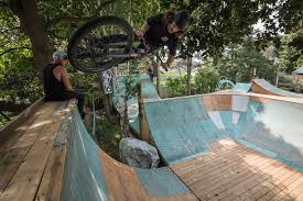 video nick clarke u0027s backyard party the rise