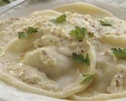 cuisine au fromage recette de raviolis au fromage et basilic à la sauce béchamel légère