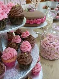 theme mariage gourmandise des gâteaux floraux pour un mariage sur le thème de la gourmandise