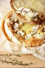 la cuisine au four camembert de normandie rôti au four recette facile baked