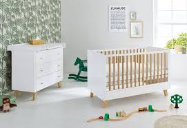 chambre bébé laqué blanc pack lit évolutif et commode à langer chêne massif laqué blanc pan