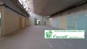 vendita capannone vendita capannone magazzino laboratorio mq 3200 cod v 290