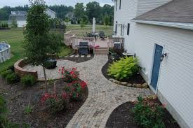 Walkway Ideas For Backyard by Stone Patios Solon Hudson Chagrin Gallery Hoehnen Landscaping