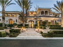 wow house in las vegas has nearly 10 000 square feet and a