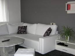 wohnzimmer ideen wandgestaltung grau haus renovierung mit modernem innenarchitektur geräumiges