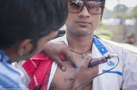 india s risking lives with roadside tattoos daily mail