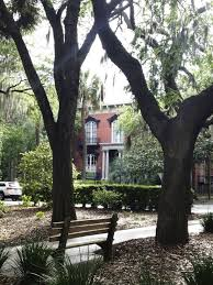 a travel guide to savannah georgia traveling chic