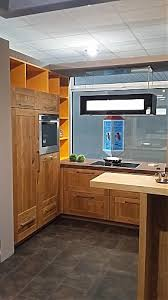 echtholzküche schmidt küchen musterküche echt holz küche eiche aragon mit