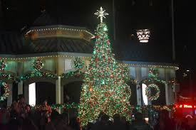 Is Six Flags Open On Christmas Six Flags Holiday In The Park