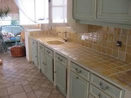 travail de cuisine relooker sa cuisine en remplaçant le plan de travail marbrerie