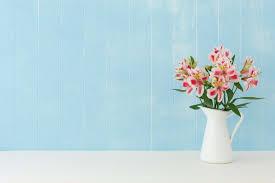 Vase To Vase Florist 17 Cut Flowers That Last The Longest Reader U0027s Digest Reader U0027s