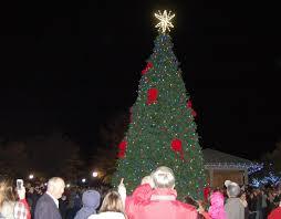 community tree lighting farmville