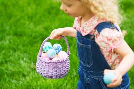 Hallmark Store Easter Decorations by How To Plan An Amazing Easter Egg Hunt Hallmark Ideas U0026 Inspiration