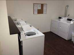 one bedroom apartments uiuc anthony drive rentals chaign il apartments com