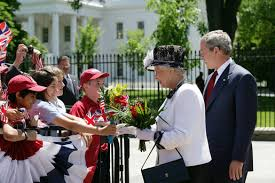Queen Elizabeth Ii House President George W Bush And Her Majesty Queen Elizabeth Ii Of