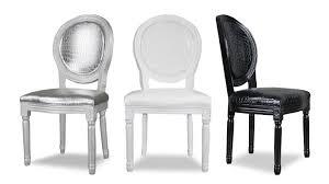chaises medaillon chaise médaillon en bois revêtement croco sebou mobilier moss