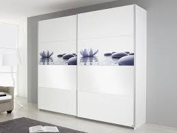 armoire chambre noir laqué armoire pour chambre adulte meuble bois massif apportez le style