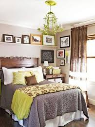 Decorating Small Bedroom I Like The Idea Of Following The Seasons In A Bedroom Bedrooms