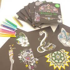 BLACK PREMIUM  Nouveau concept de coloriages  Editions Marabout