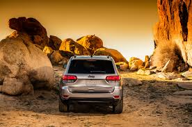 2016 jeep grand cherokee trailhawk 2017 jeep grand cherokee adds trailhawk updates summit packages